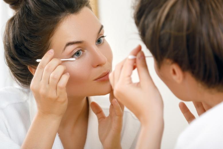 nettoyage hygiène oculaire
